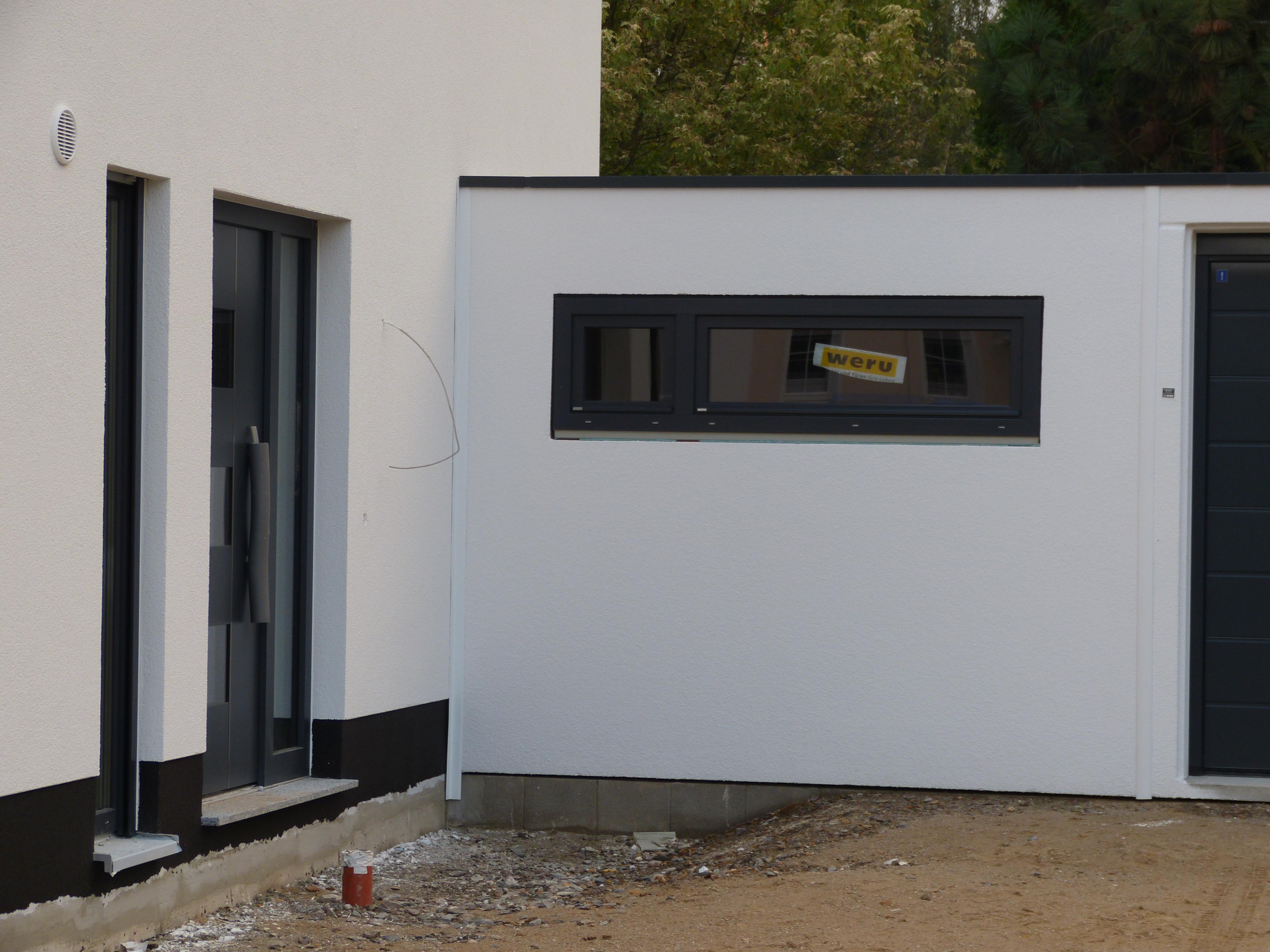 Tag 75 garagenfenster eingebaut karo und raiks for Garagenfenster kunststoff